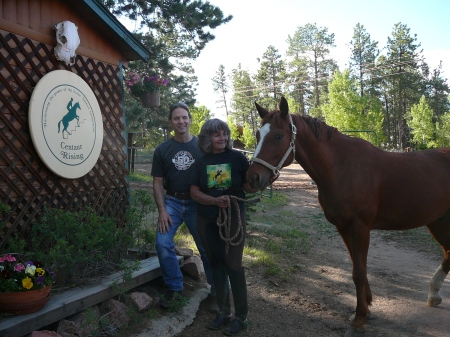 Centaur Rising Founder Kristaan Cooper and Thomas Shelley with Horse